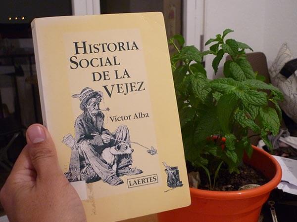 Portada del libro de Victor Alba sobre la historia de la vejez