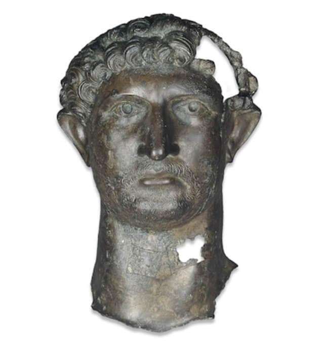 Bronce de la cabeza de Adriano